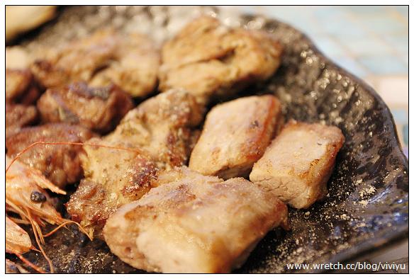 [美食.桃園]中原夜市~阿文蔥油餅&燒霸串燒屋&豬大郎豬血糕 @VIVIYU小世界