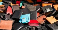 """Der Geldbeutel. Die Geldbeutel. Oder: Das Portemonnaie. Die Portemonnaies. Hier liegen ganz viele verschiedene Geldbeutel. • <a style=""""font-size:0.8em;"""" href=""""http://www.flickr.com/photos/42554185@N00/30509105996/"""" target=""""_blank"""">View on Flickr</a>"""