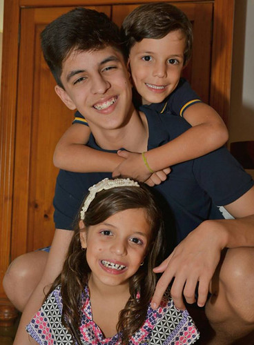 Bernardo com os irmãos,  Marcela e Túlio