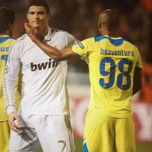 Willian e Cristiano Ronaldo, em campo