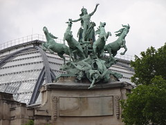 Paris Grand Palace rooftop sculpture on the Seine side - Harmony triumphing over Discord