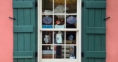 """Der Fensterladen. Die Fensterläden. Die Fensterläden sind auf beiden Seiten des Fensters. • <a style=""""font-size:0.8em;"""" href=""""http://www.flickr.com/photos/42554185@N00/30259886501/"""" target=""""_blank"""">View on Flickr</a>"""