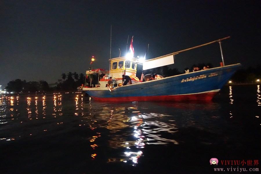 [泰國.安帕瓦]安帕瓦水燈節(Amphawa Floating Market )~搭船欣賞螢火蟲聖誕樹.河面上施放水燈 @VIVIYU小世界