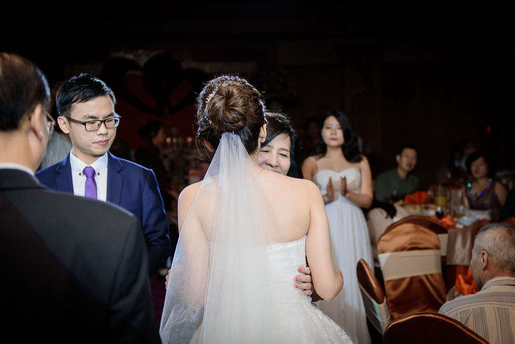 Wedding day-0065 ,僑園婚攝,台中僑園,僑園婚宴,新秘Alice ,婚攝小勇,台北婚攝, 小淑造型團隊
