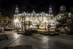 The Gran Teatro de La Habana at night.