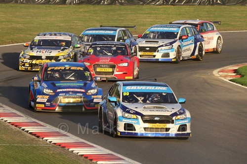 Jason Plato leads Andrew Jordan during the BTCC Brands Hatch Finale Weekend October 2016