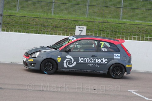 Cameron Pugh in Race 2 at the BRSCC Fiesta Junior Championship, Rockingham, Sept 2015