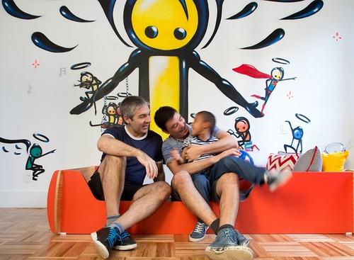 O quarto do Henrique, filho do Gilberto Scofield e Rodrigo Barbosa ganhou grafite assinado por Wark, artista de rua da Rocinha.