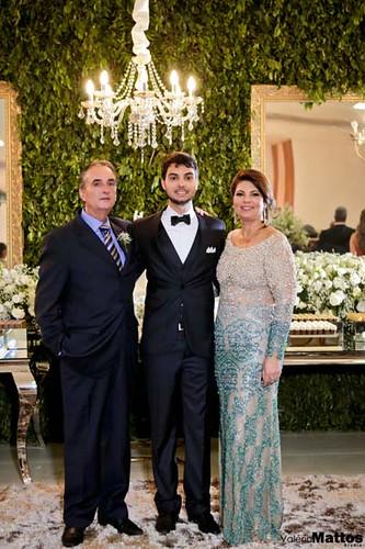 Inácio entre os pais, Inácio e Laura Jane