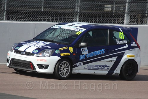 Aaron Thompson in Race 1 at the BRSCC Fiesta Junior Championship, Rockingham, Sept 2015
