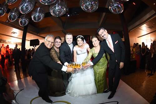 O brinde dos noivos com seus pais