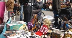 """Der Flohmarkt. Die Flohmärkte. oder: Der Trödelmarkt. Die Trödelmärkte. Auf Flohmärkten wird eine Menge Trödel angeboten. • <a style=""""font-size:0.8em;"""" href=""""http://www.flickr.com/photos/42554185@N00/30886779866/"""" target=""""_blank"""">View on Flickr</a>"""