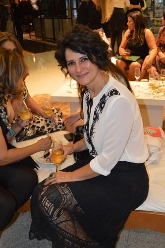 Artista plástica multifacetada, Cidinha Carvalho, responsável pelos ambinetes da loja Espaço Nobre