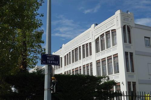 Vaux-en-Velin était réputé pour ces fabriques de soie, dont il reste des majestueux bâtiments