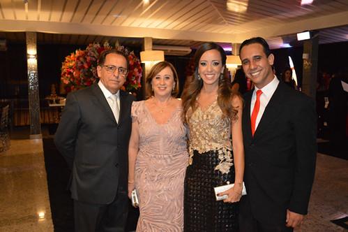 A homenageada Flávia Camargo com a família, Dolor e Inês Camargo, e Rodrigo