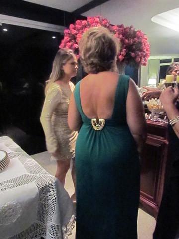 Detalhe elegante do vestido de Tereza Saliba