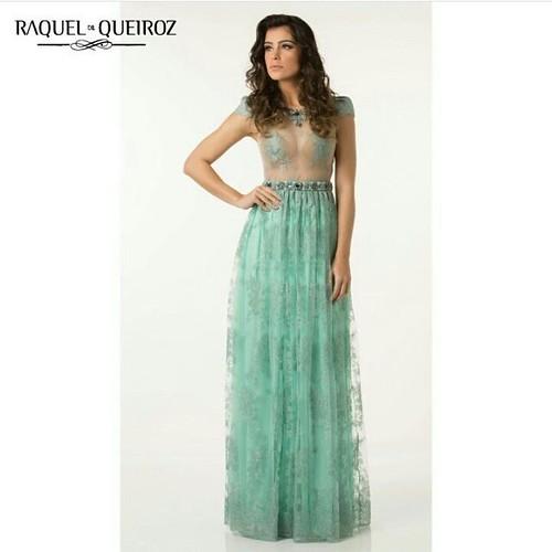 Romantismo e sensualidade nesse dress maravilhoso!