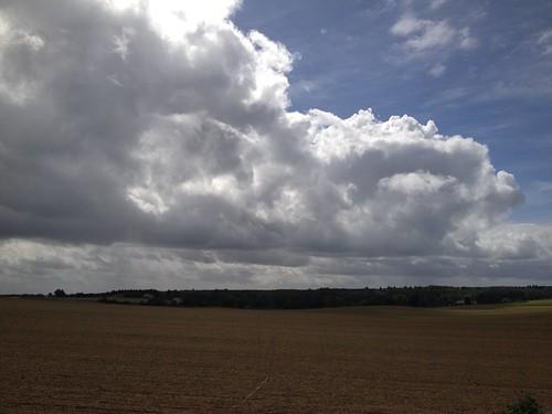 Les nuages et le vent reviennent