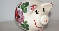 """Das Sparschwein. Die Sparschweine. Das hier ist ein besonders nettes Sparschwein. • <a style=""""font-size:0.8em;"""" href=""""http://www.flickr.com/photos/42554185@N00/30413573713/"""" target=""""_blank"""">View on Flickr</a>"""