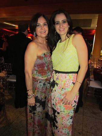 Afra de Souza e a filha, Sara