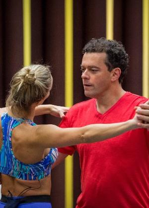"""Após """"Dança"""", Fernando Rocha estreia no Carnaval e fala em """"pagar mico"""""""