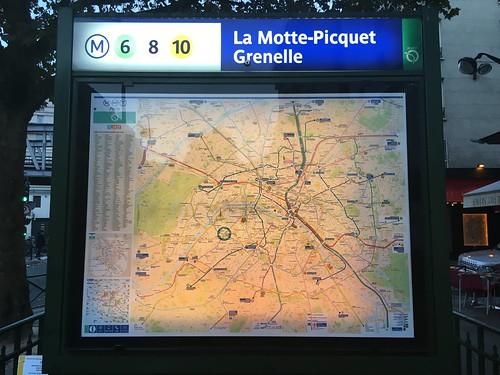 Arrivée à la station La Motte-Picquet Grenelle !