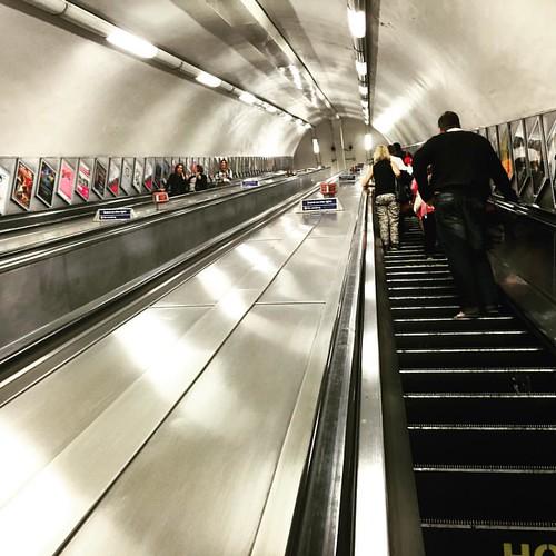 Hello #London #Underground!  @ #GreenPark #LDN #tube #traveloup