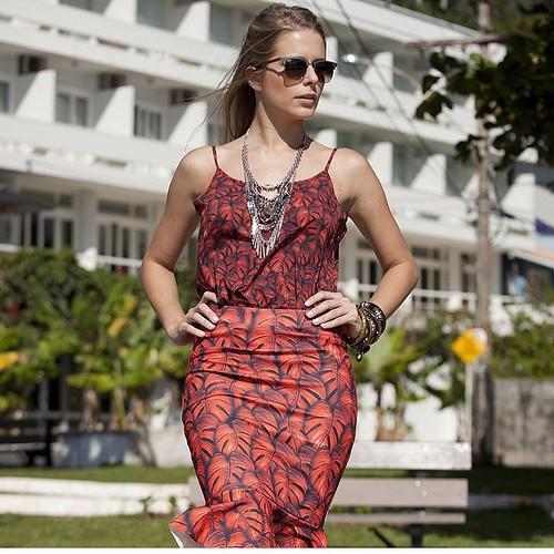 Com temas e inspiração na África, Cassia Mallmann, traz peças com muita leveza no tecido ligúria, tecnologia com toque de seda.