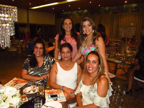 Érika Viegas, Juliana Toledo Lana e a equipe da Carmen Steffens Ipatinga