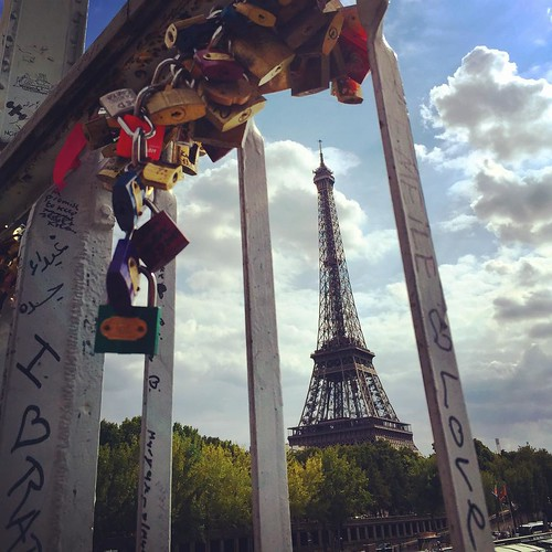 #Eiffelturm & #Lovelock <3  @ #Paris #France #tour #eiffel tower