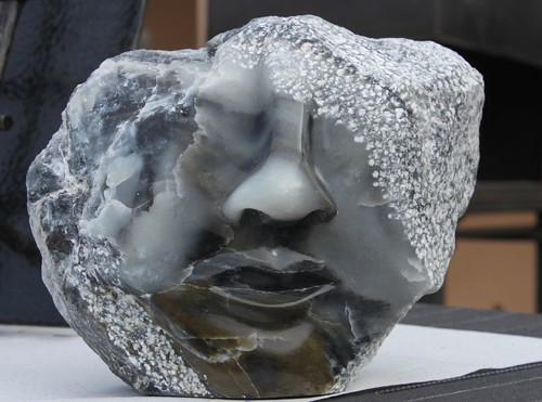20110326_1176_stone-face