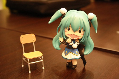 Nendoroid Theia's back-ribbon as stand support