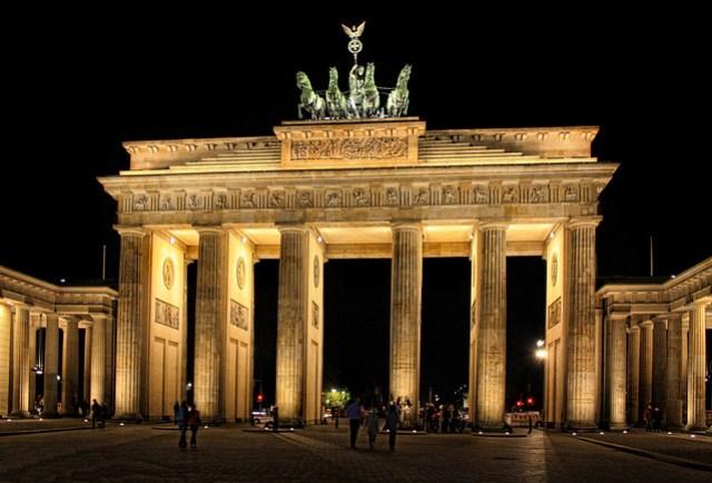 Berlin - Brandenburger Tor 03