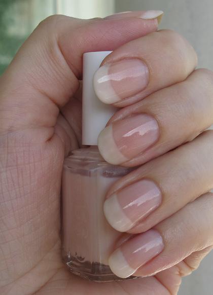 Essie Marshmallow & Vanity fairest