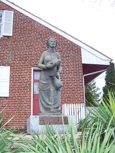 Jennie Wade statue