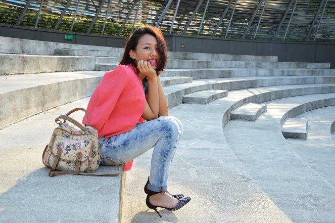 pink blazer, boyfriend jeans, floral bag, snakeskin heels