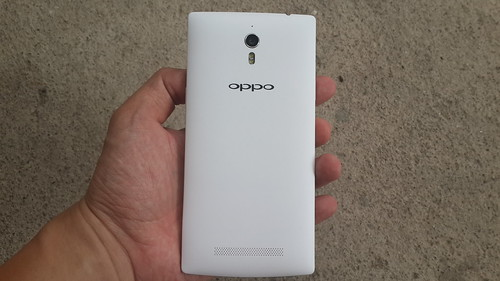 Oppo Find 7a ด้านหลัง