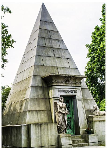 Schoenhofen Pyramid Mausoleum