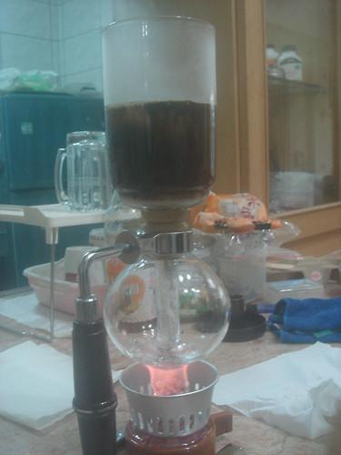 syphon燒開加入咖啡粉3