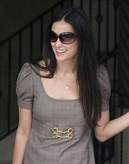 demi moore's Oliver Peoples sunglasses