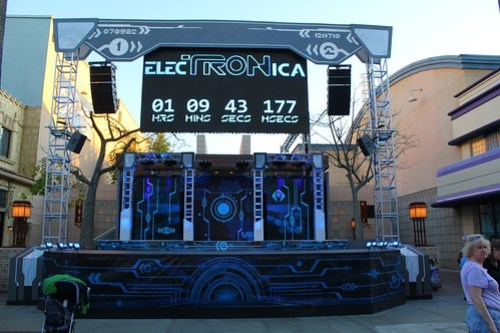 ElecTRONica daytime