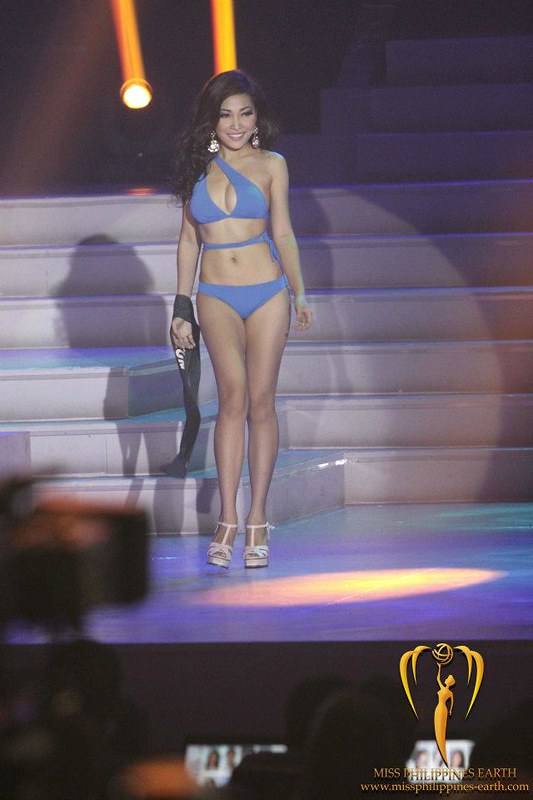 Jana Siratranont in the Miss Philippines Earth 2012 Swimsuit Competition