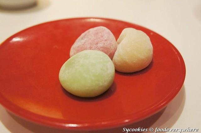 14.@sakae sushi oct + nov 12 (2)