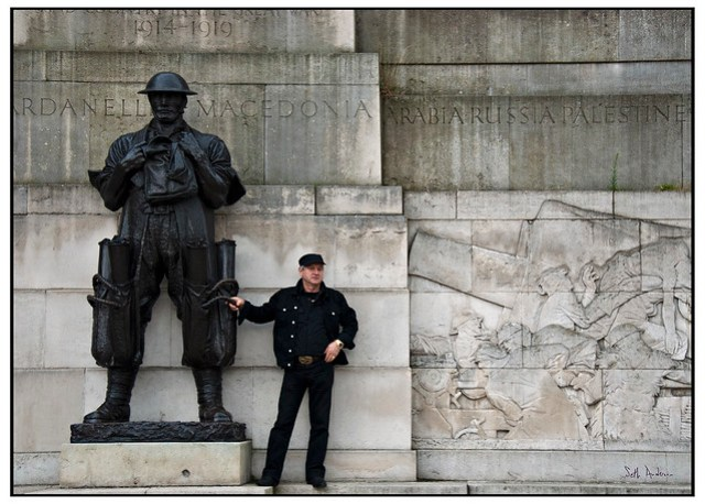 Memorial to the Great War and a poser