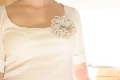 52 crafts in 52 weeks: recycled wool corsage