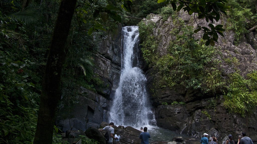 Cascada La Mina