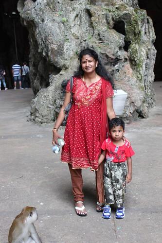 201102180758_monkey-woman-child