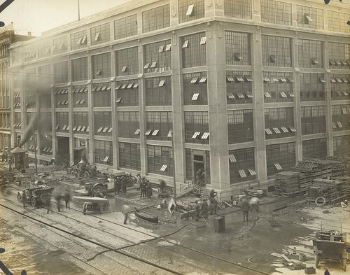 Flood repairs at Delco, 1913 (Image courtesy of Dayton Metro Library, Montgomery County Picture File #1074)
