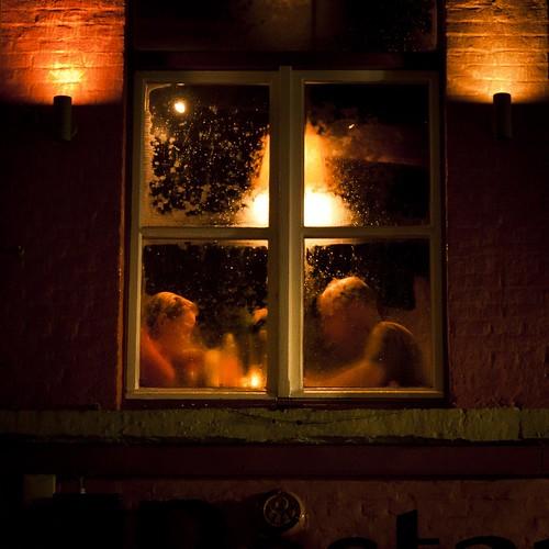 Steamy Windows (romantic date, Bruges) - Photo : Gilderic