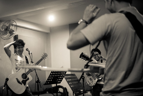 The Purplechickens + Ely Buendia